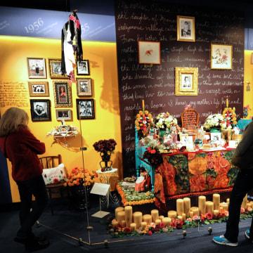 Image: Dia de los Muertos altar