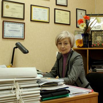 Dr. Anna Kovaleva