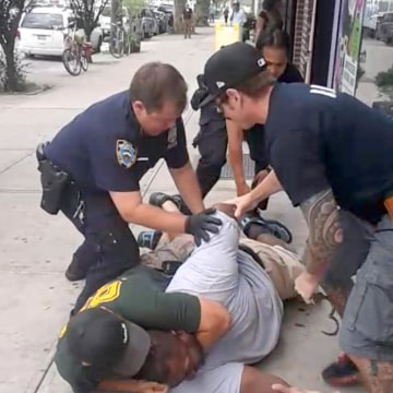 Image: A 400- pound asthmatic Eric Garner died while being arrested by police in Staten Islan