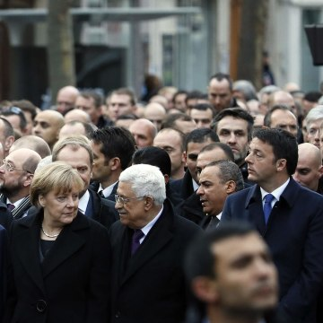 Image:Leaders march in Paris