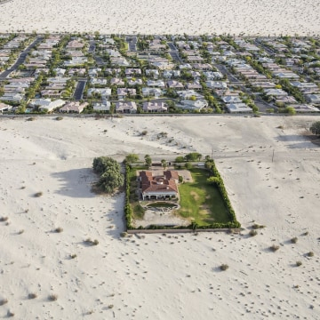 Image: Properties surrounded by desert in Rancho Mirage, Calif.