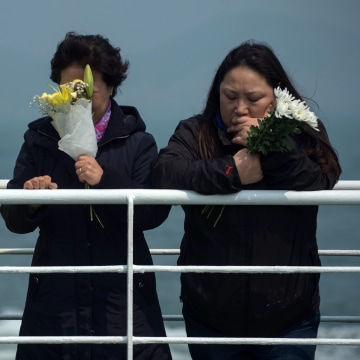 Image: Relatives of victims of the Sewol ferry disaste