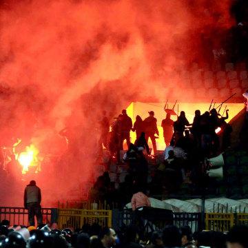 Image: Egypt court sentences 11 to death over 2012 soccer riots