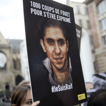 Saudi Blogger Faces 950 More Lashes: Rights Group