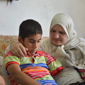Image:Zleikha Muhtaseb visits Yousef Rajabi