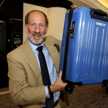 Image:  New smaller carry-on size proposed