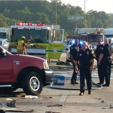 IMAGE: Tennessee wreck scene