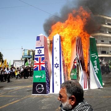 Image: Iranian demonstrators on Al-Quds Day in Tehran on July 10, 2015