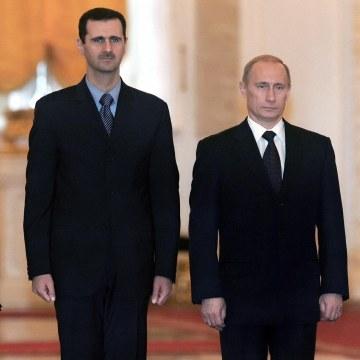 Image: Bashar Assad (R) and Vladimir Putin at the Kremlin in January 2005.