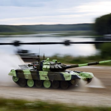 Image: A T-72 B Russian tank