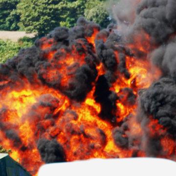 Image: JET CRASHES AT AIRSHOW