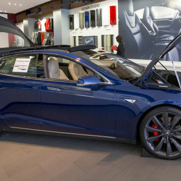 Image: A Tesla P85D is seen on display at a Tesla showroom in Pasadena