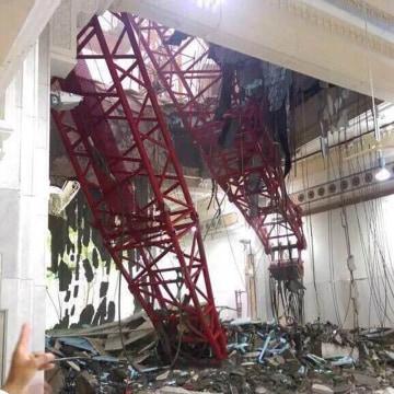 Image: Crane collapses on Grand Mosque in Mecca, Saudi Arabia