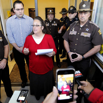 Image: Kim Davis addresses the media outside the Rowan County Clerk's Office in Morehead, Kentucky