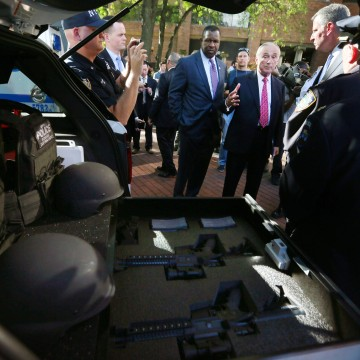Image: New York City Mayor Bill de Blasio and NYPD Commissioner William J. Bratton were briefed on Emergency Service Unit Equipment in a SUV vehicle, at New York City Police Headquarters