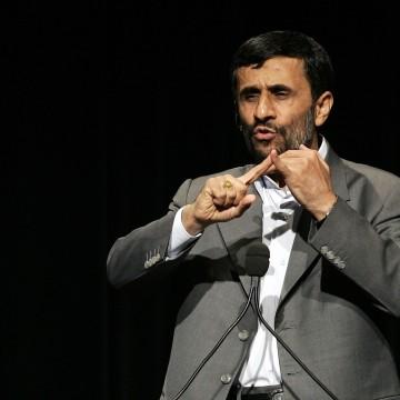 Image: Iranian President Ahmadinejad speaks at Columbia University in 2007