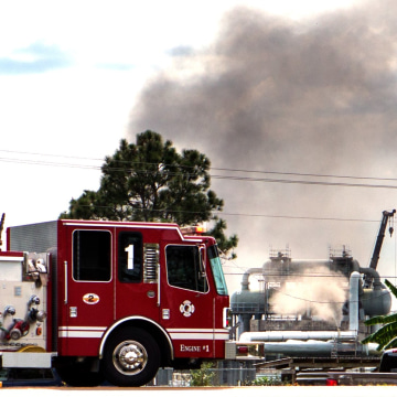 Image: Smoke at scene of Louisiana gas explosion