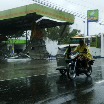 Image: Typhoon Koppu slammed into the northern Philippines.
