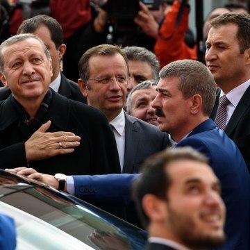 Image:Turkish President Recep Tayyip Erdogan (left) gestures to supporters