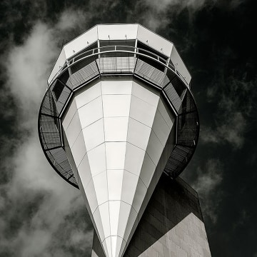 Image: Fort Worth Alliance Airport tower in Texas