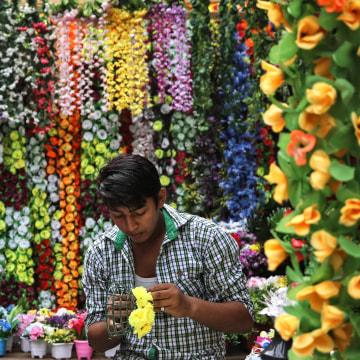 Image: Diwali festival preparation in Mumbai