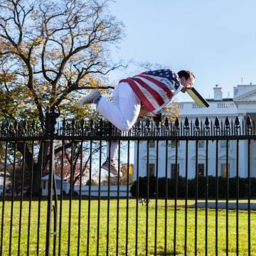 Fence surrounding the white house grounds thursday nov 26 2015
