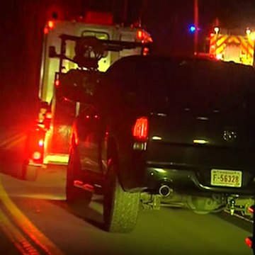 Image: Emergency crews close to the crash site