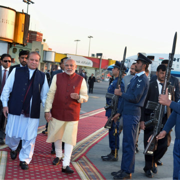 Image: Indian Prime Minister on surprise visit to Pakistan