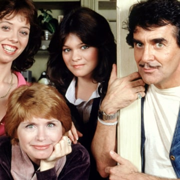 """Image: """"One Day At A Time"""" cast members"""