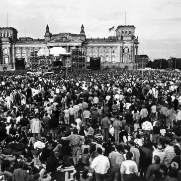 Image: East Berliners listen to David Bowie perform in 1987