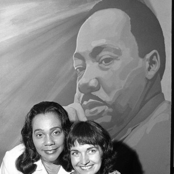 Image: Coretta Scott King and Mairead Corrigan