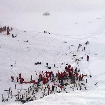 Image: Lycéens emportés dans une avalanche: deux morts, deux personnes dans un état désespéré