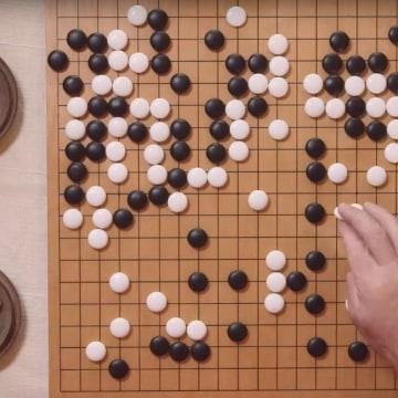 Google Go-Playing Computer Beats Pro For First Time