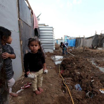 Image: A displaced Iraqi child