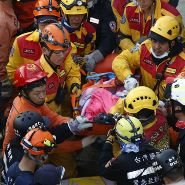 Image: Over 100 still missing as death toll reaches 37 in Taiwan earthquake