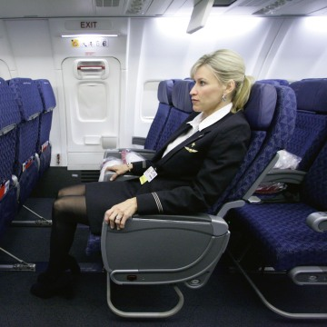 Image: airline seats narrower