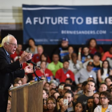Image: Democratic Presidential Candidate Bernie Sanders Campaigns In Las Vegas