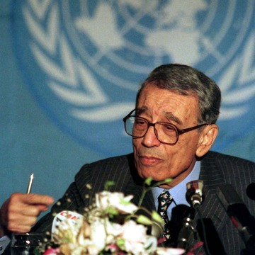 Image: File photo of UN Secretary-General Boutros Boutros-Ghali during a news conference in Rome