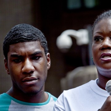 """""""Justice For Trayvon"""" Rallies Held Across The Country"""