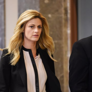 Image: Erin Andrews enters the courtroom
