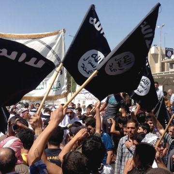 Image: ISIS flag, ISIS recruits