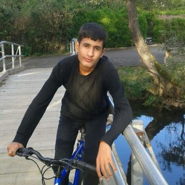 Image: Refugee Fatima Ahmad's son, Iham, 13, is already in Frankfurt, Germany.