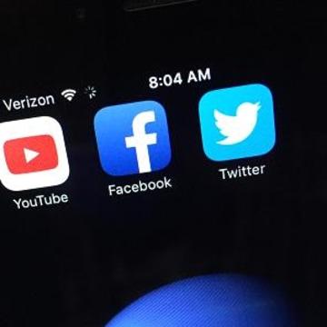 Twitter, Facebook to Stream Live TV?