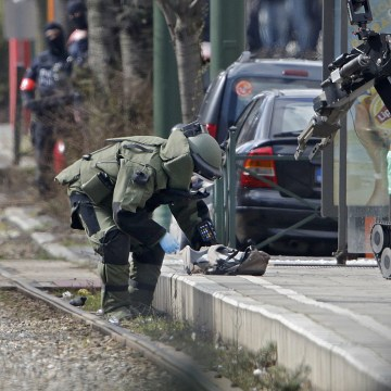Image: Police operation in Schaerbeek area of Brussels