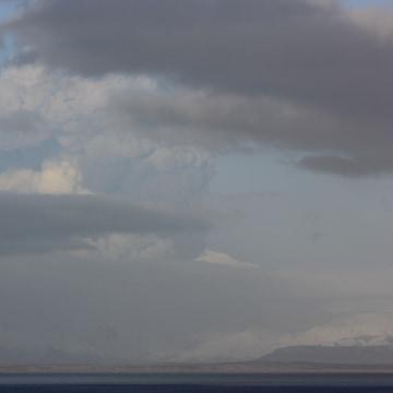 Image: Pavlof volcano eruption