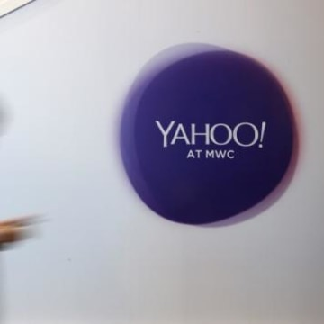 Yahoo Sets April 11 Deadline for Preliminary Bids
