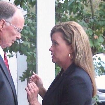 Image: Alabama Governor Robert Bentley speaks with former aide Rebekah Mason