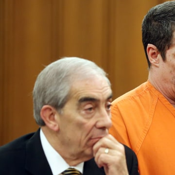 Image: Bobby Hernandez stands during his trial for the kidnapping of his son Julian