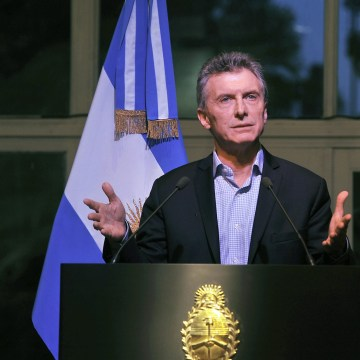 Image: Argentinian President asks businessmen to invest in the country and to be responsible in setting prices