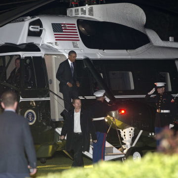 Image: Obama arrives in London